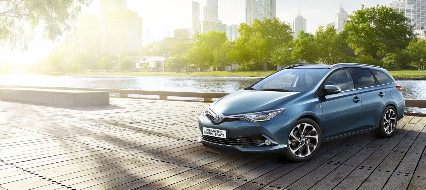 auris hybrid touring sports models features vantage toyota wakefield. Black Bedroom Furniture Sets. Home Design Ideas